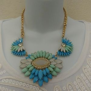 Multicolored Stone Necklace Set in Gold